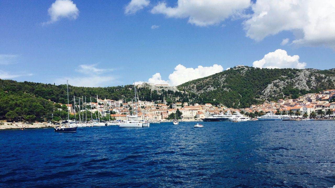 Steaming into Hvar