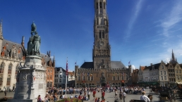 A view of the belfry from Markt